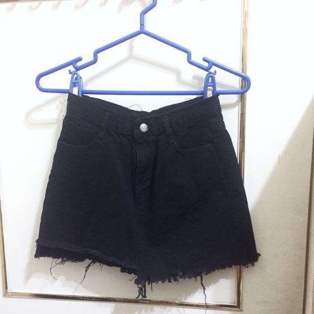 黑色抽鬚牛仔裙