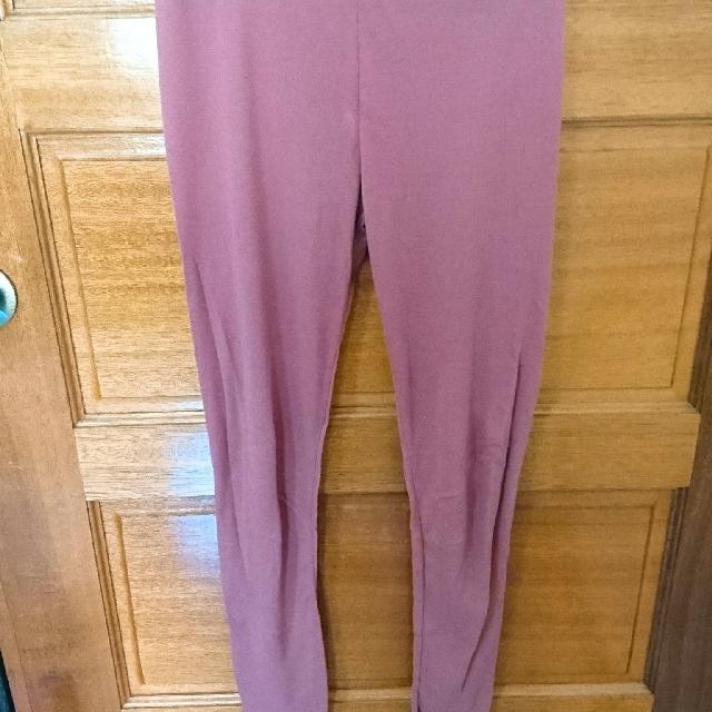 粉色內搭褲 有些瑕疵 斟酌購入