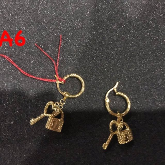A6 Earrings for sale 2.7grams 18K