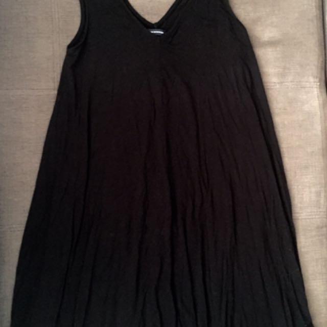 AE black dress