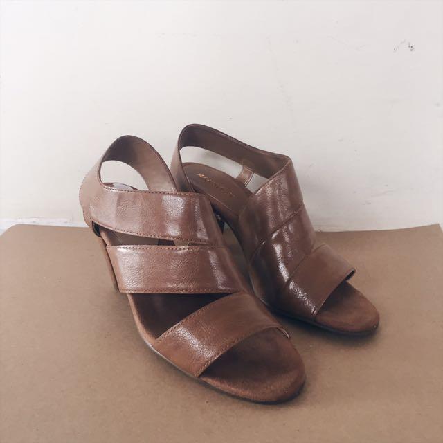 Aerosoles brown sandals