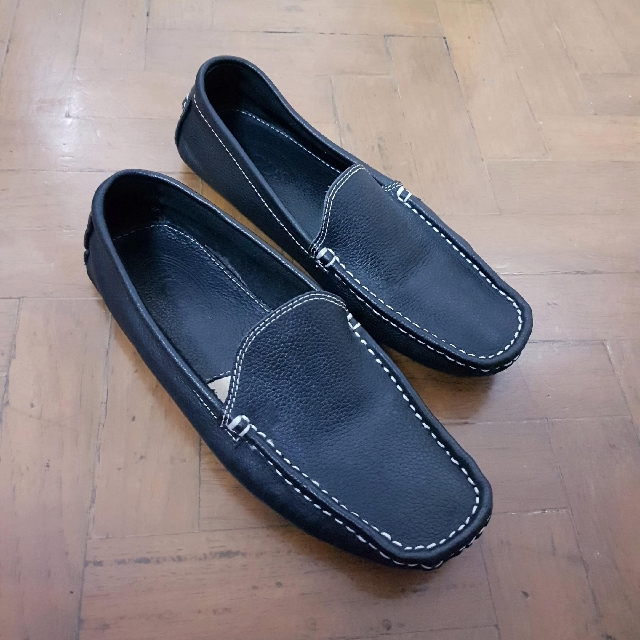 Sale! REPRICED Authentic Tod's Black Leather Loafers Driving Shoes Size 6 - 7 37