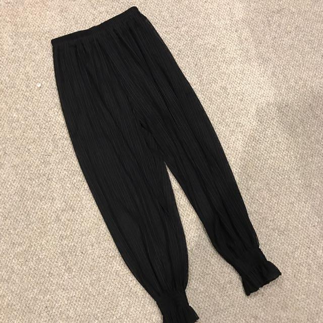black hyaline pants