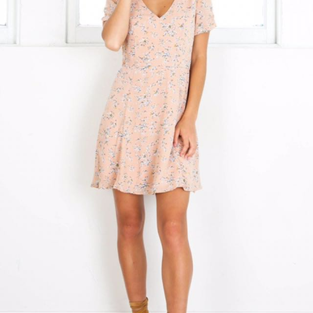 Blush/Pink Showpo casual floral dress