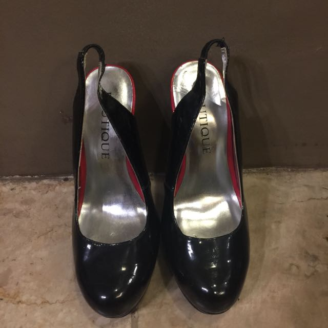 BOUTIQUE black and red pumps