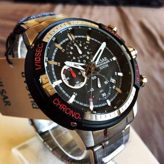 Brand New Pulsar V8 Racing Chronograph Watch By Seiko (NEGOTIABLE)