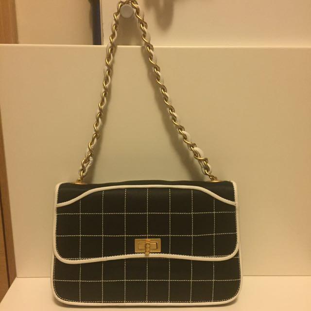 27f64b9cbf6b Chanel vintage black small carry bag, Luxury, Bags & Wallets on ...
