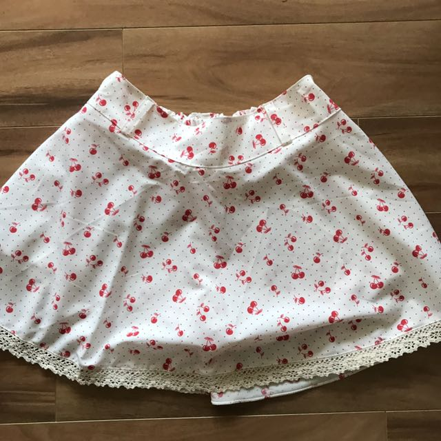 Cherry print lace trim skort
