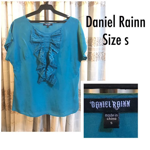 Daniel Rainn blue top