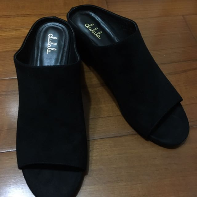 達芙妮DAPHNE dulala系列-一字絨面粗跟涼鞋/拖鞋(黑)24.5號-九成新