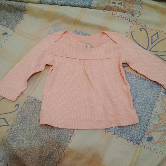 EUC Carters Baby Top 3-6mos
