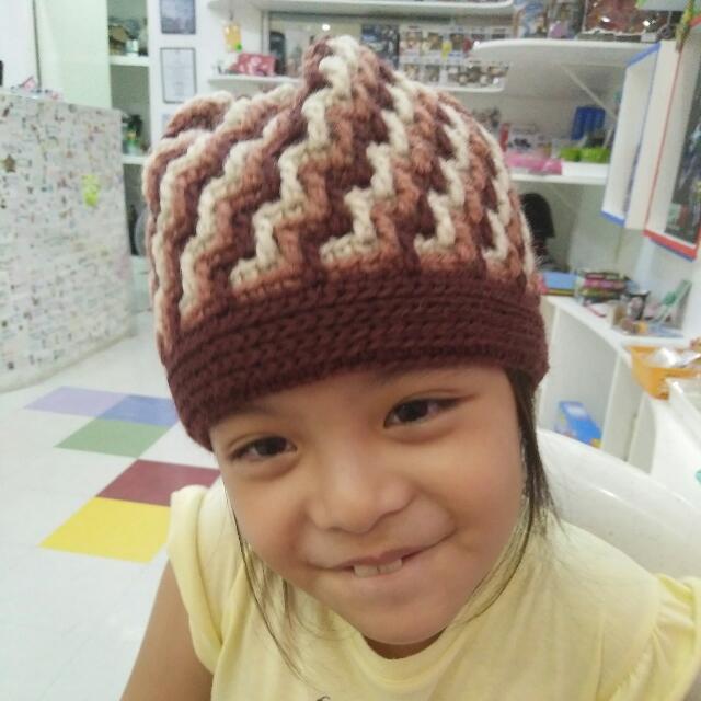 Hand Crocheted Zigzag Bonnet