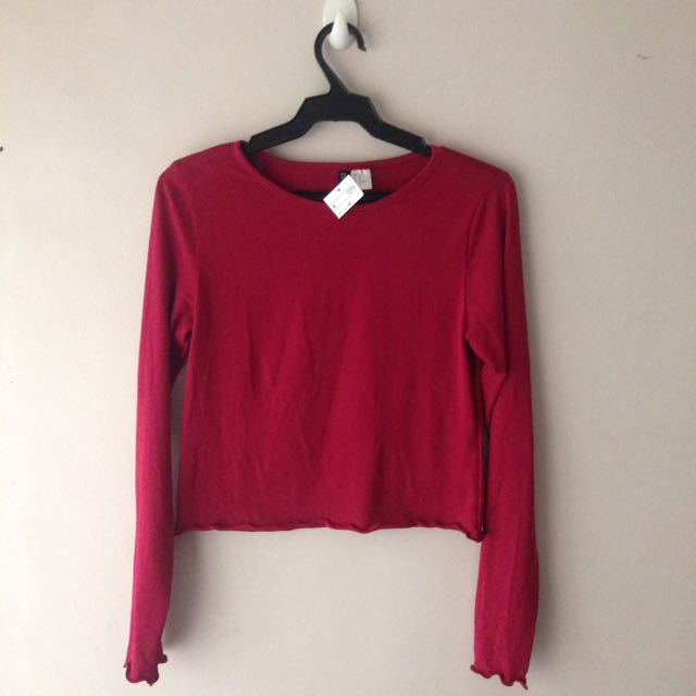 H&M Red Long Sleeved Crop Top