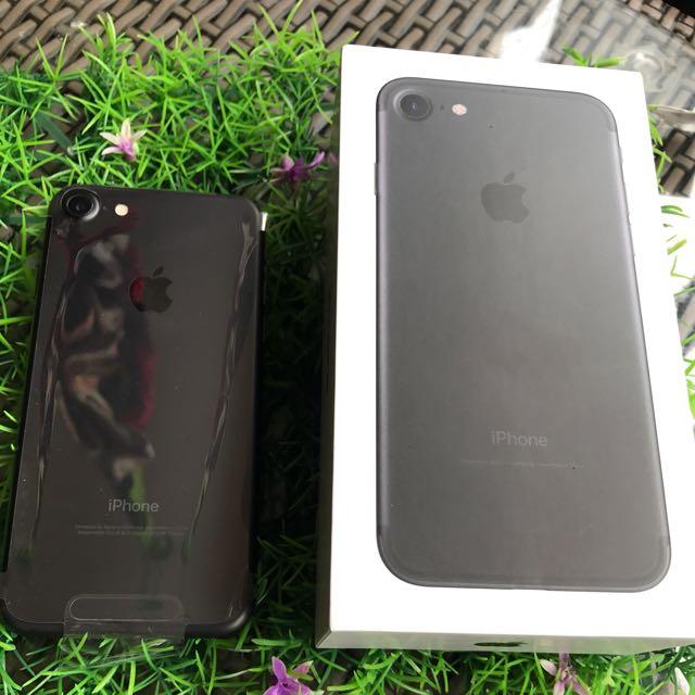 IPHONE 7 32 GB MET BLACK 2 MONTH USED