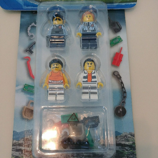 2 packs of Lego City Figures