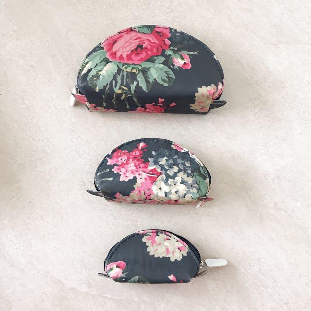 Makeup pouch set