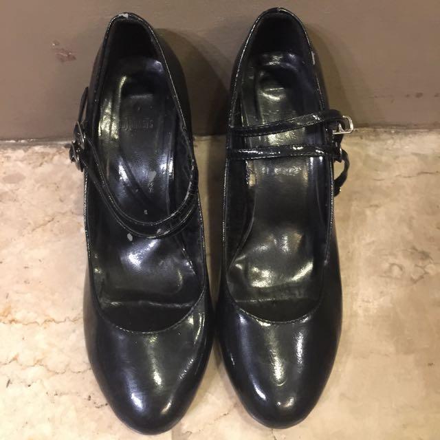 M)PHOSIS black leather heels