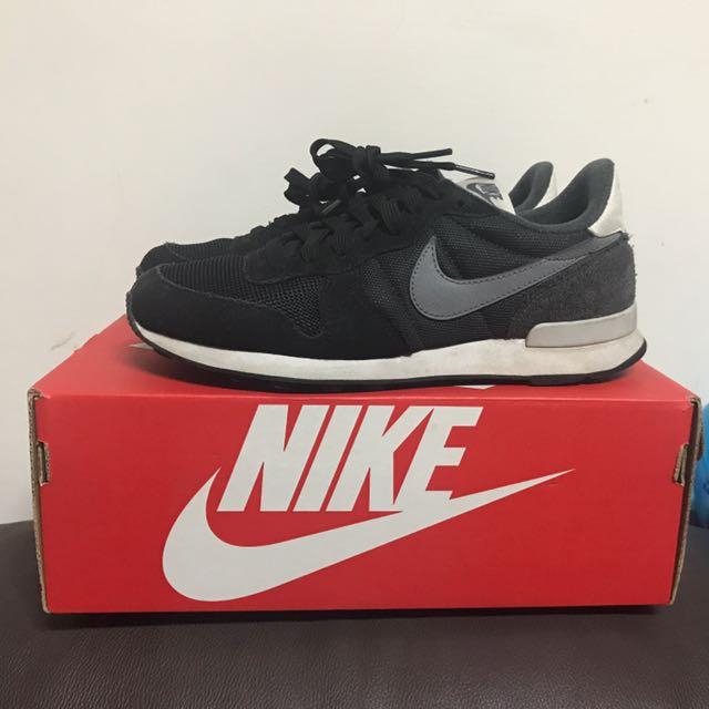 (二手)Nike WMNs Internationalist 黑