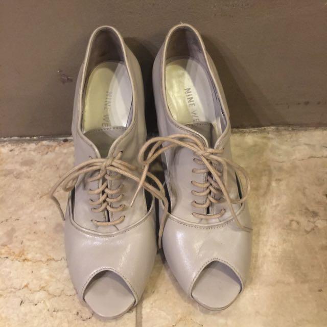 NINE WEST beige leather booties