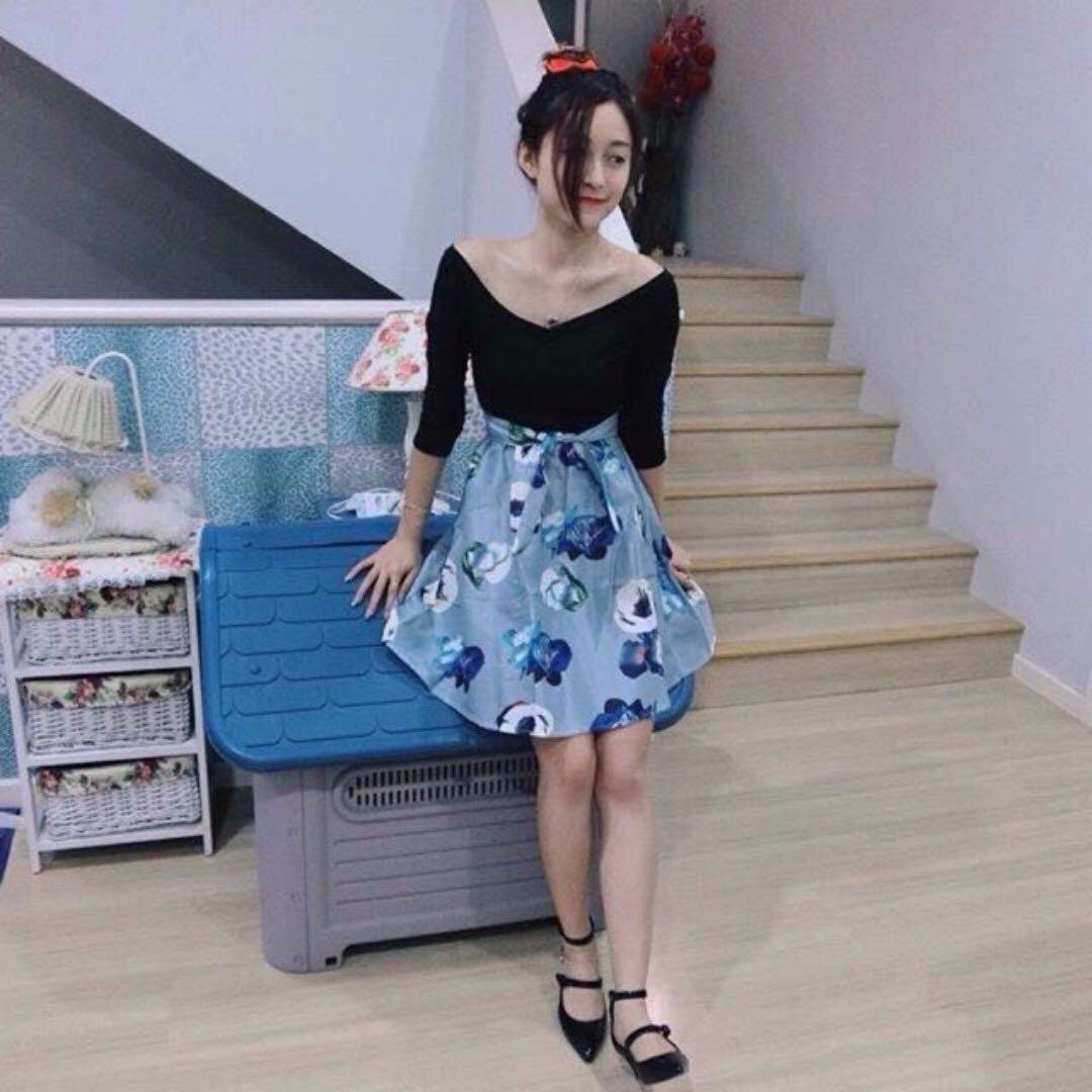 🆕Off Shoulder Floral Midi Flare Dress