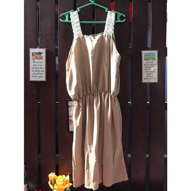 PLAIN NUDE DRESS