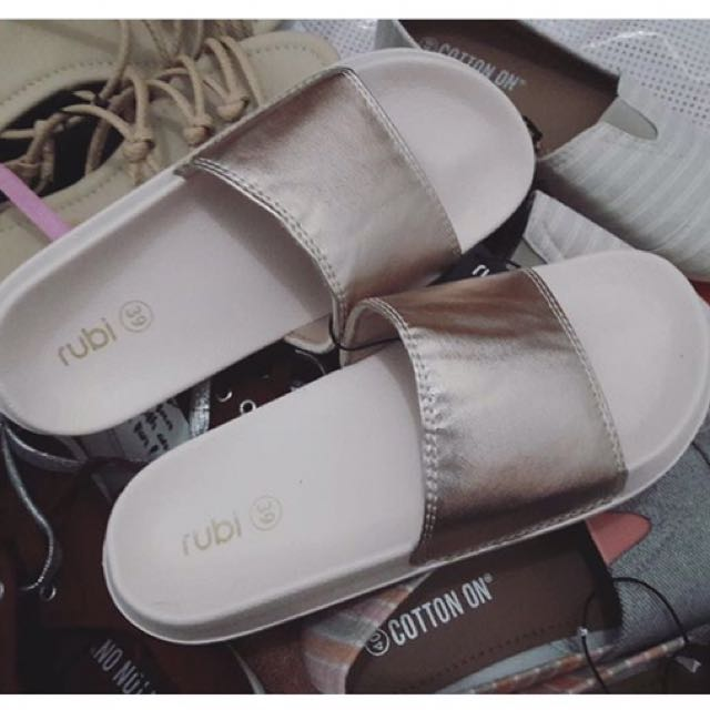 Rubi / cotton on / sandal / shoes