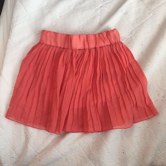 Short flowy skirts in Coral( XS )