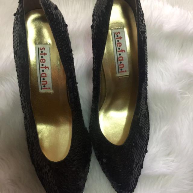Stefani Closed Toe Shoes