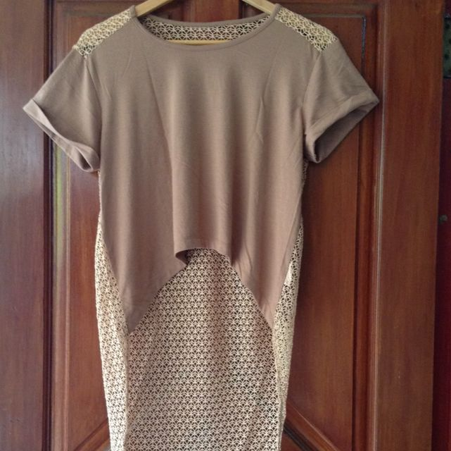 T-Shirt Asimetris Gaudi