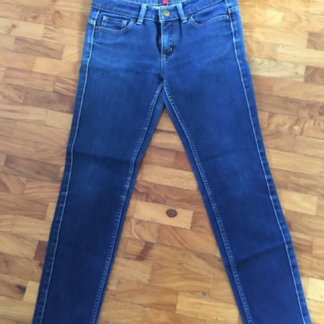 Uniqlo blue jeans waist 26, length at 33 1/2 inches