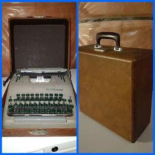Smith-Corona Working Typewriter