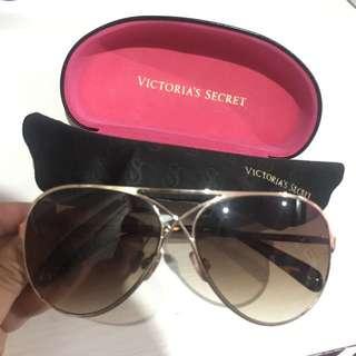 Kacamata Victoria Secret