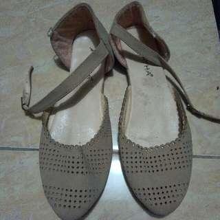 Sepatu Teplek