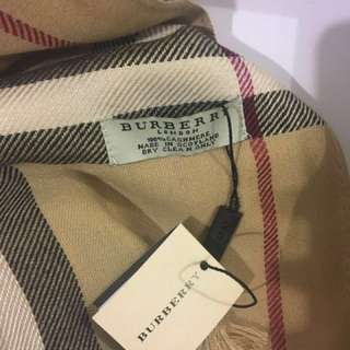Buberry Scarf Beige