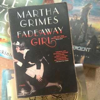 Fade Away Girl (Martha Grimes)