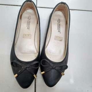 Flatshoes Hitam Size 39