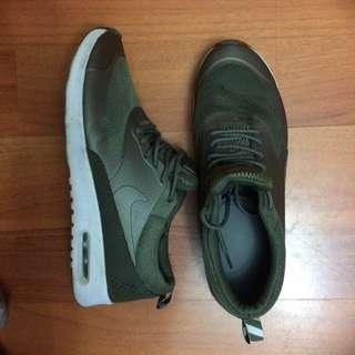 Olive/khaki Nike Thea shoes