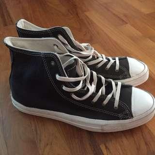Brandnew Converse Black