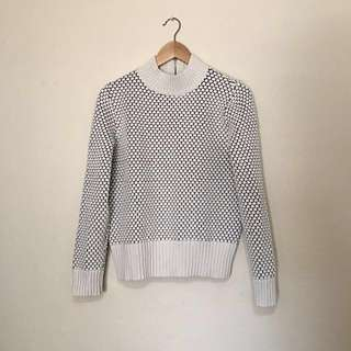 Banana Republic - White/Navy Knit Sweater