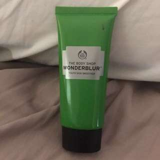 The body shop Wonderblur youth skin Smoother