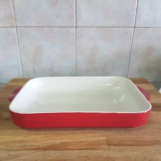 red baking dish