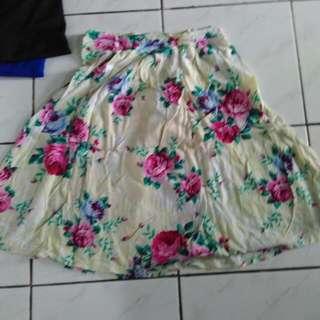 Skirt Flowers , Bisa Barter