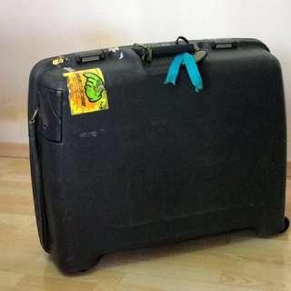 """Lojel 24"""" Hard case luggage bag"""