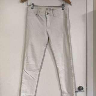 DL1961 white Emma Legging jeans