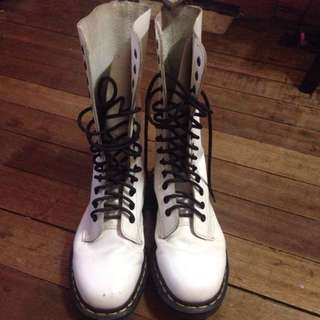 Original Dr Martens Shoe Size Us7