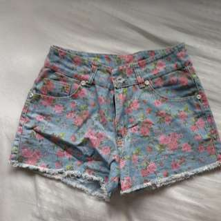 Floral Highwaisted Shorts