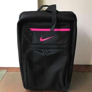Nike行李廂旅遊廂