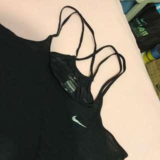 Nike慢跑衣