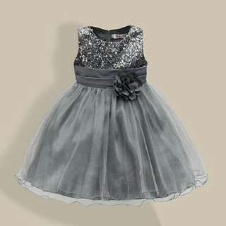 *FREE DELIVERY to WM only / Ready stock* Kids blink2 dress size 110/4-5yo each as shown design/color grey. Free delivery is applied for this item except for certain furniture type.