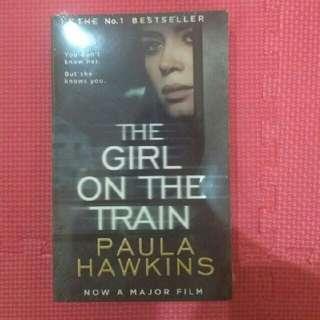 Free sepatu di lapak | The Girl On The Train by Paula Hawkins | New Book